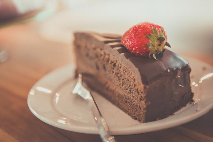 ארבע עוגות שוקולד