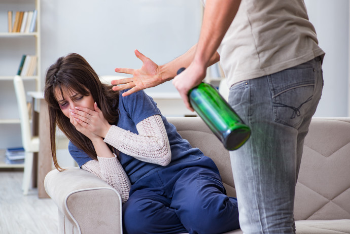 אלימות נגד נשים (אילוסטרציה)