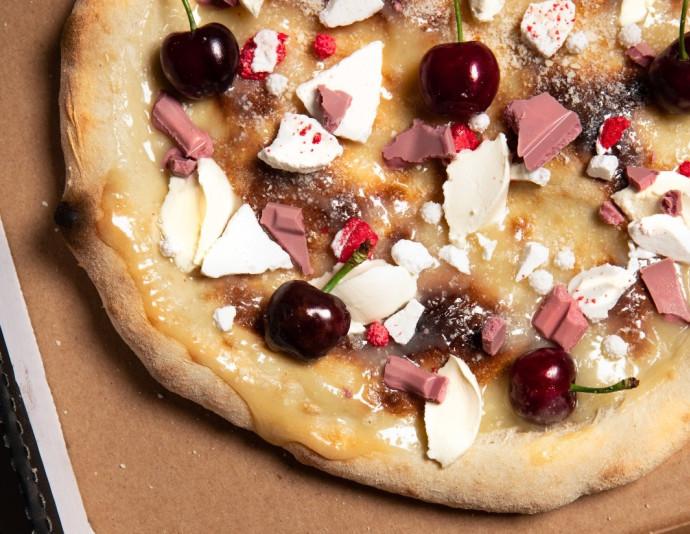 פיצה לבנה מתוקה של פיצה פיל