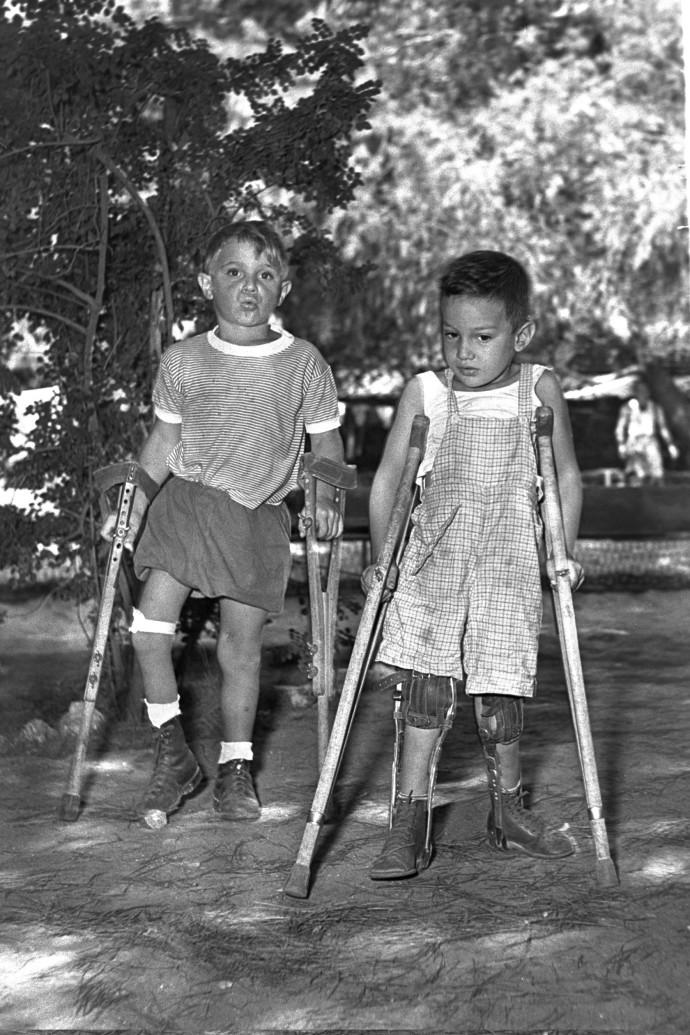 ילדים חולי פוליו