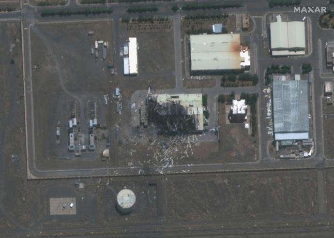צילום לוויין של הנזק שנגרם לאתר הגרעין בנתנז בפיצוץ