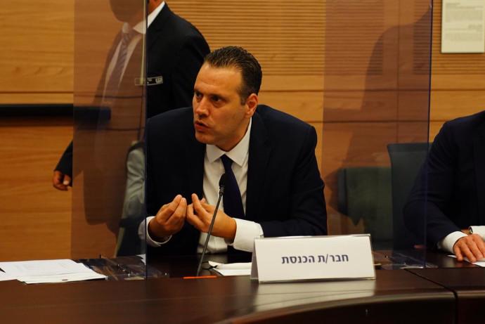 """יו""""ר הקואליציה מיקי זוהר בדיון בוועדת הקורונה על החמרת ההגבלות"""