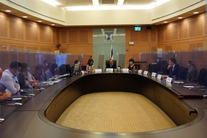 דיון בוועדת הכלכלה