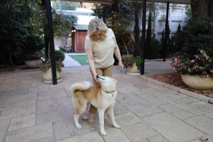 sara netanyahu and dog