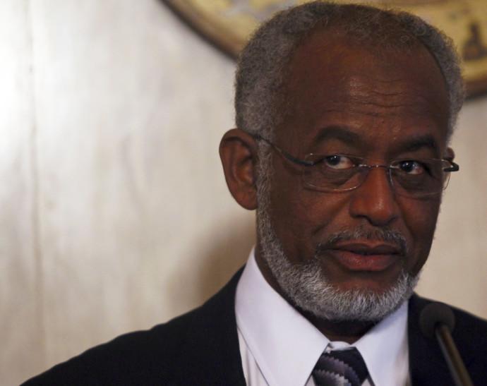 שר החוץ של סודאן - עלי קרטי