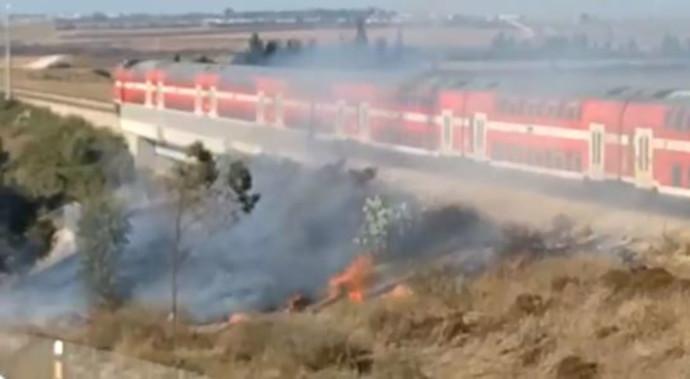 שריפה ליד רכבת במ.א. שדות נגב