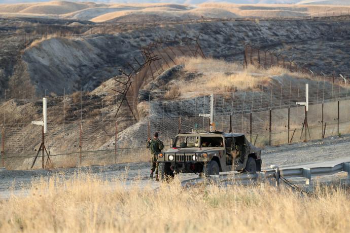 חיילי צהל בגבול ירדן