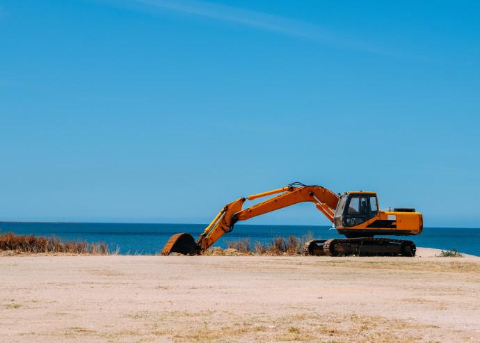 טרקטור על החול, אילוסטרציה