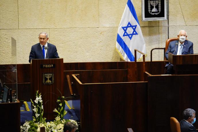 בנימין נתניהו והנשיא רובי ריבלין בפתח מושב הכנסת