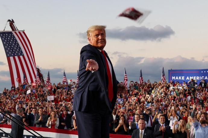 דונלד טראמפ בעצרת בחירות בפלורידה