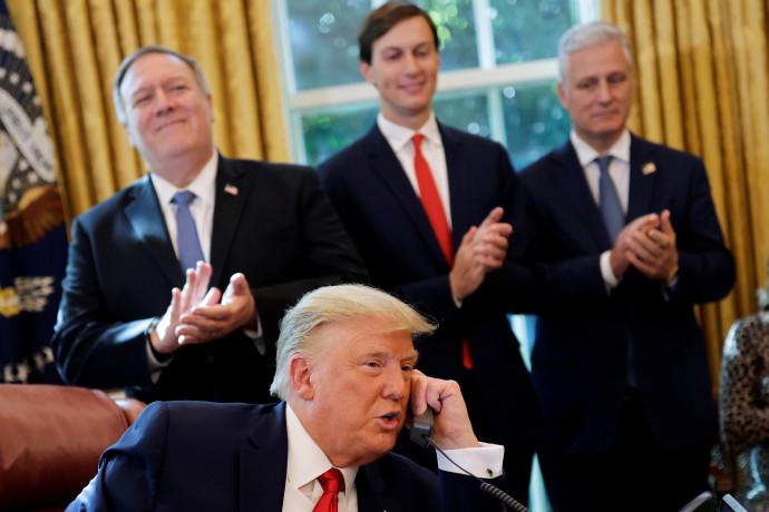 """נשיא ארה""""ב טראמפ בשיחה בה הוכרז על כינון היסים עם סודן"""