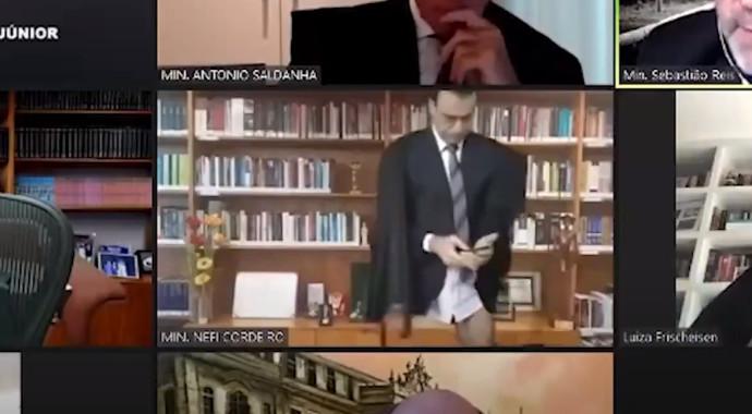 השופט הברזילאי בתחתונים