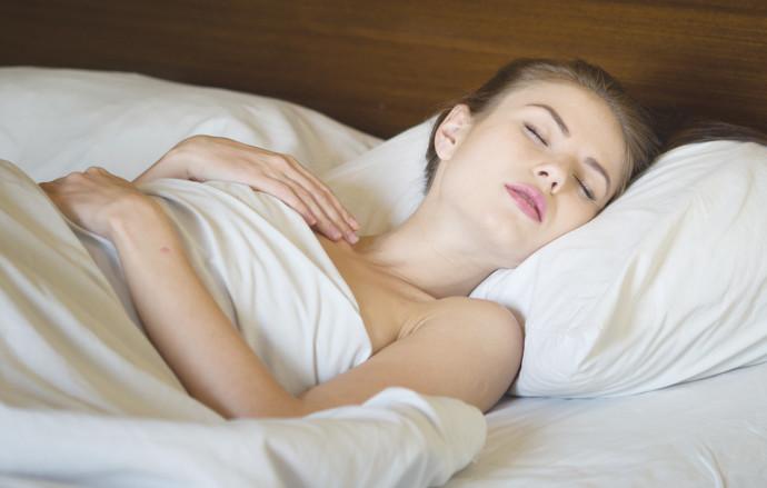 אישה ישנה, אילוסטרציה