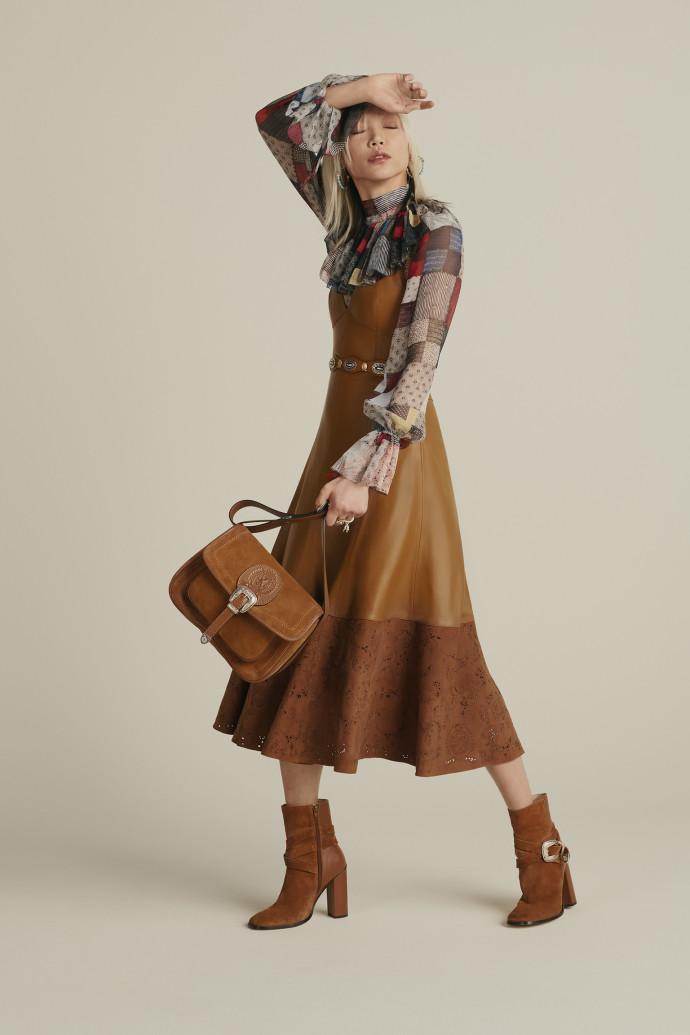 TOMMY HILFIGER שמלה 3,890 חולצה 1,249ש ח תיק 2,090 שח factory54