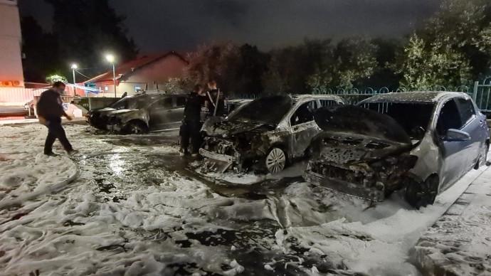 הצתת כלי רכב פרטיים בלוד