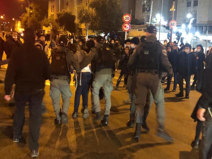 """ההפגנות האלימות נגד הרג הנער אהוביה סנדק ז""""ל"""