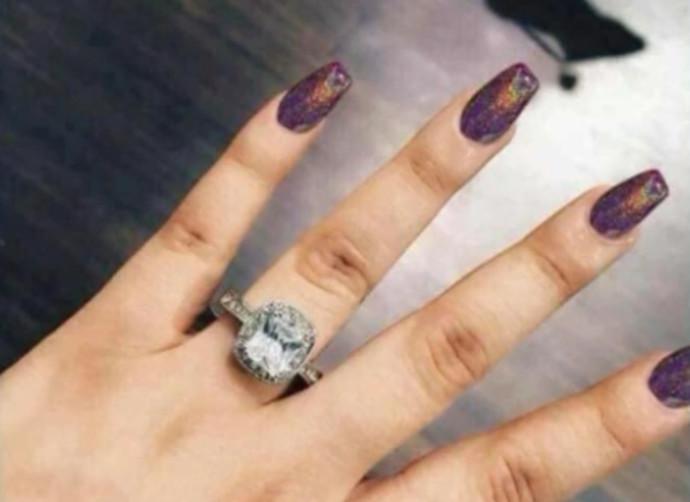 טבעת האירוסין של האישה הבוגדת