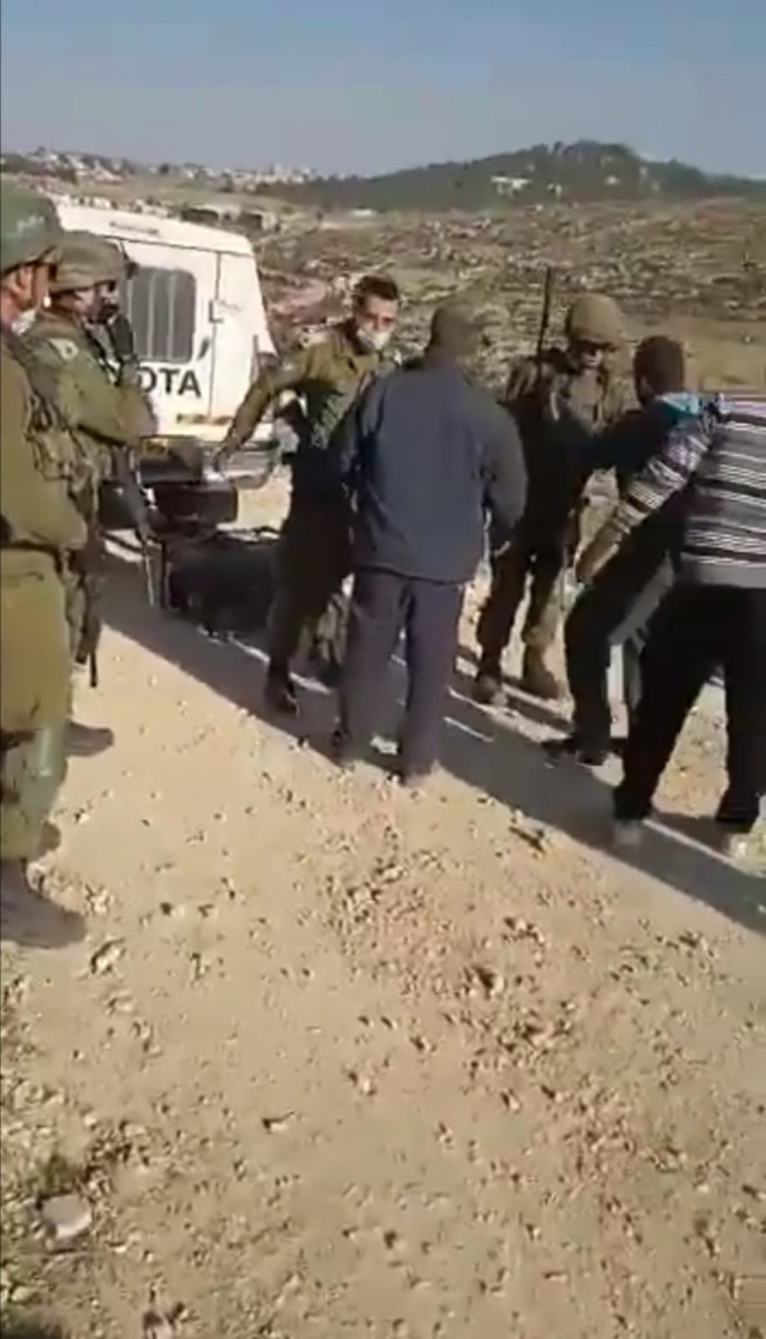 """לוחמי צה""""ל ותושבים פלסטיניים מתעמתים דרומית לחברון"""