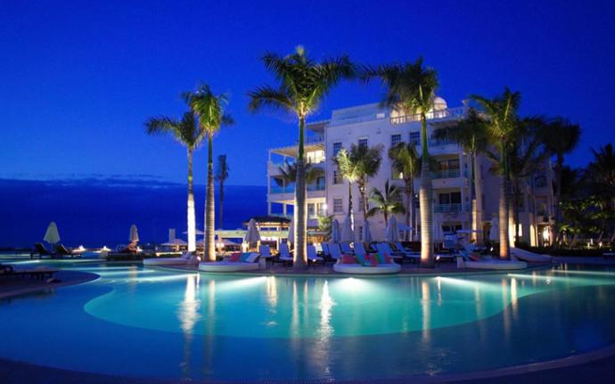 """בית המלון """"The Palms"""""""