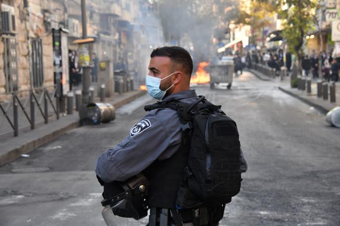 פעילות המשטרה בשכונת מאה שערים בירושלים