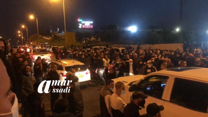 חסימות כבישים בטמרה במחאה על מות אחמד חיג'אזי