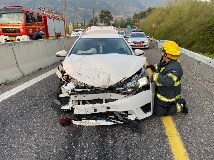 אחד הרכבים מהתאונה בשער העמקים