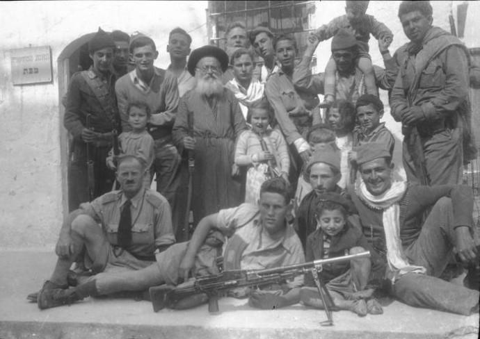 לוחמי חטיבת גולני בשחרור העיר צפת