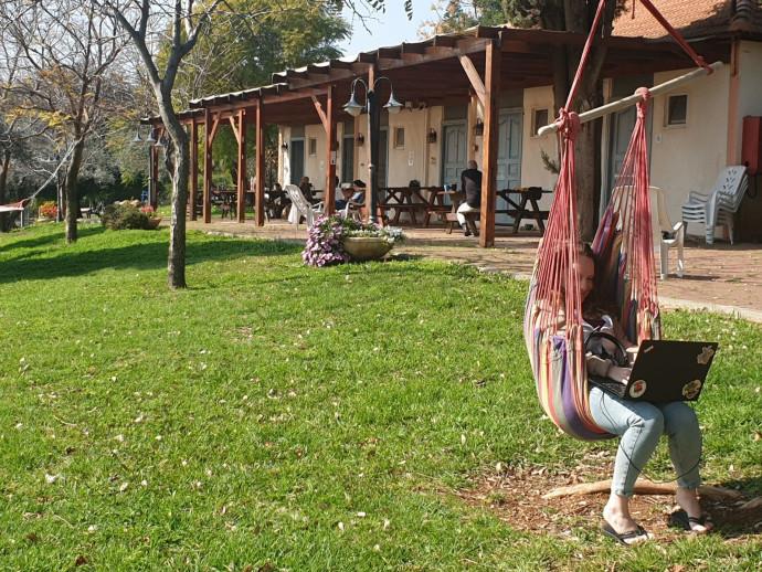כפר הנוודים הדיגיטליים בקיבוץ מורן