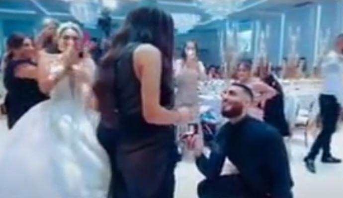 הצעת הנישואין בזמן החתונה