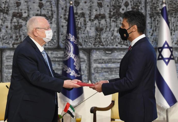 שגריר איחוד האמירויות מוחמד אל חאג'ה מגיש את כתב האמנתו לנשיא ריבלין