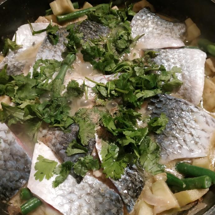 דג בקארי ירוק