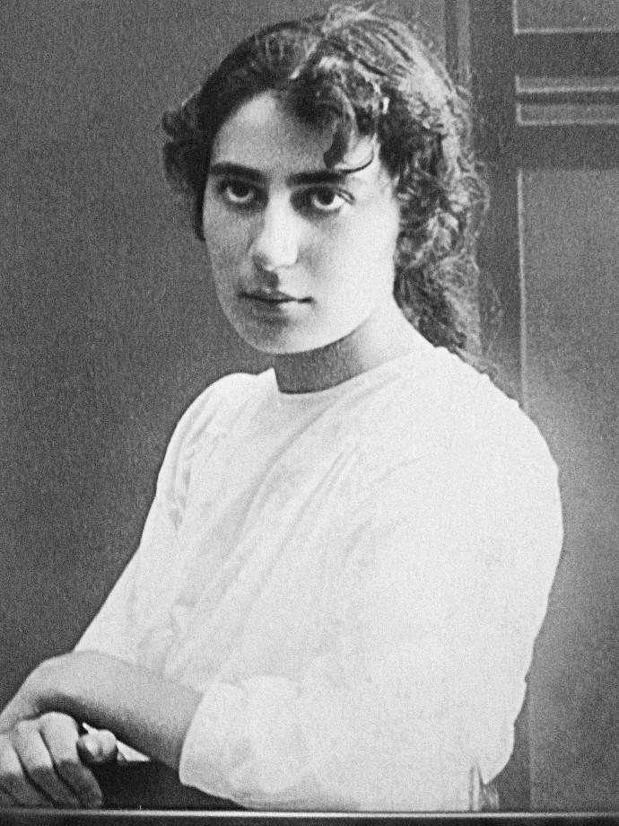 רחל המשוררת בעלותה ארצה, 1909