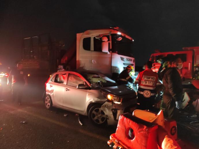 תאונת דרכים בכביש 77