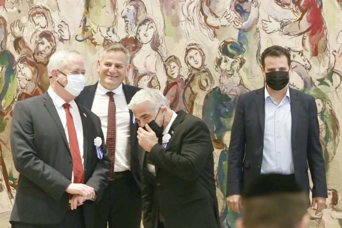 איימן עודה, יאיר לפיד, ניצן הורוביץ ובני גנץ