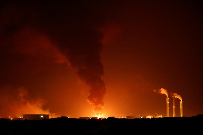 שריפה בצינור נפט סמוך לאשקלון