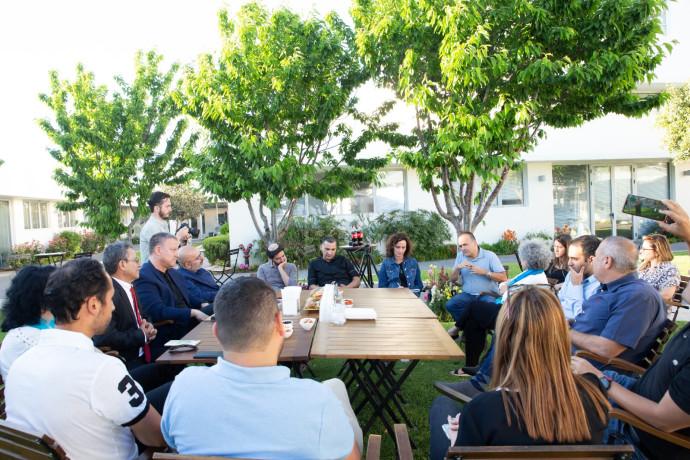 מפגש יזמי הייטק ויזמים חברתיים למפגן משותף שקרא לחיבור ונגד אלימות, פילוג והסתה