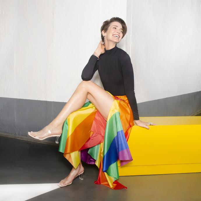 יעל גולדמן לובשת שי שלום - תערוכת לובשות גאווה