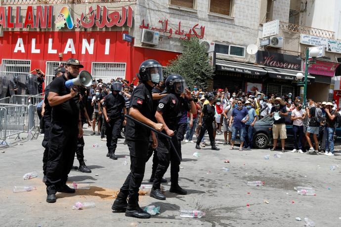הפגנות נגד המשטר בתוניסיה