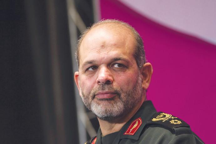הגנרל האיראני אחמד והידי, שר ההגנה לשעבר