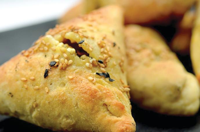 פטאייר, מאפה ערבי במילוי תרד וסומק