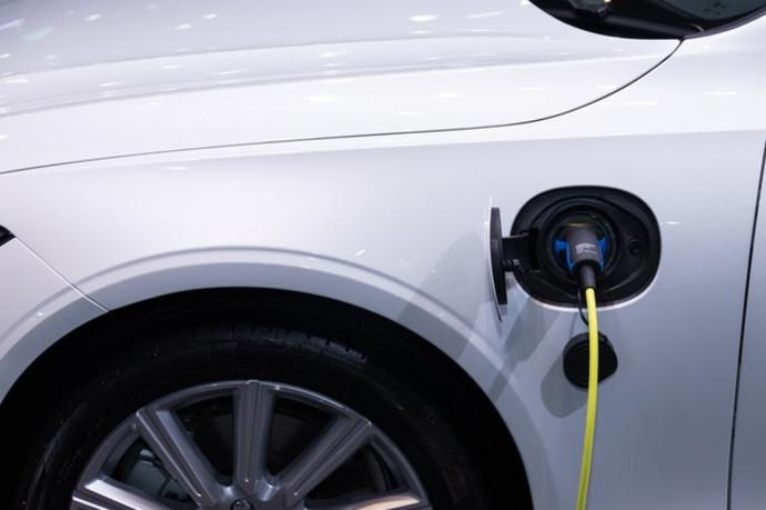 כל מה שצריך לדעת לפני שרוכשים רכב חשמלי