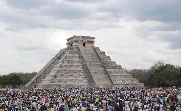 פירמידת אל קסטיליו במקסיקו