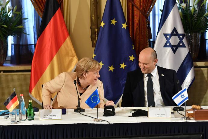 ראש הממשלה נפתלי בנט וקנצלרית גרמניה אנגלה מרקל