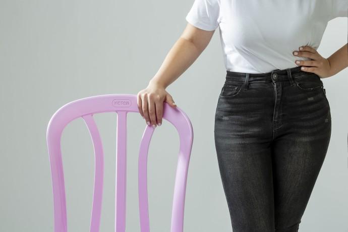 הכסא הורוד של כתר לציון חודש המודעות לסרטן השד