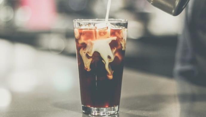 קפה קר, אילוסטרציה