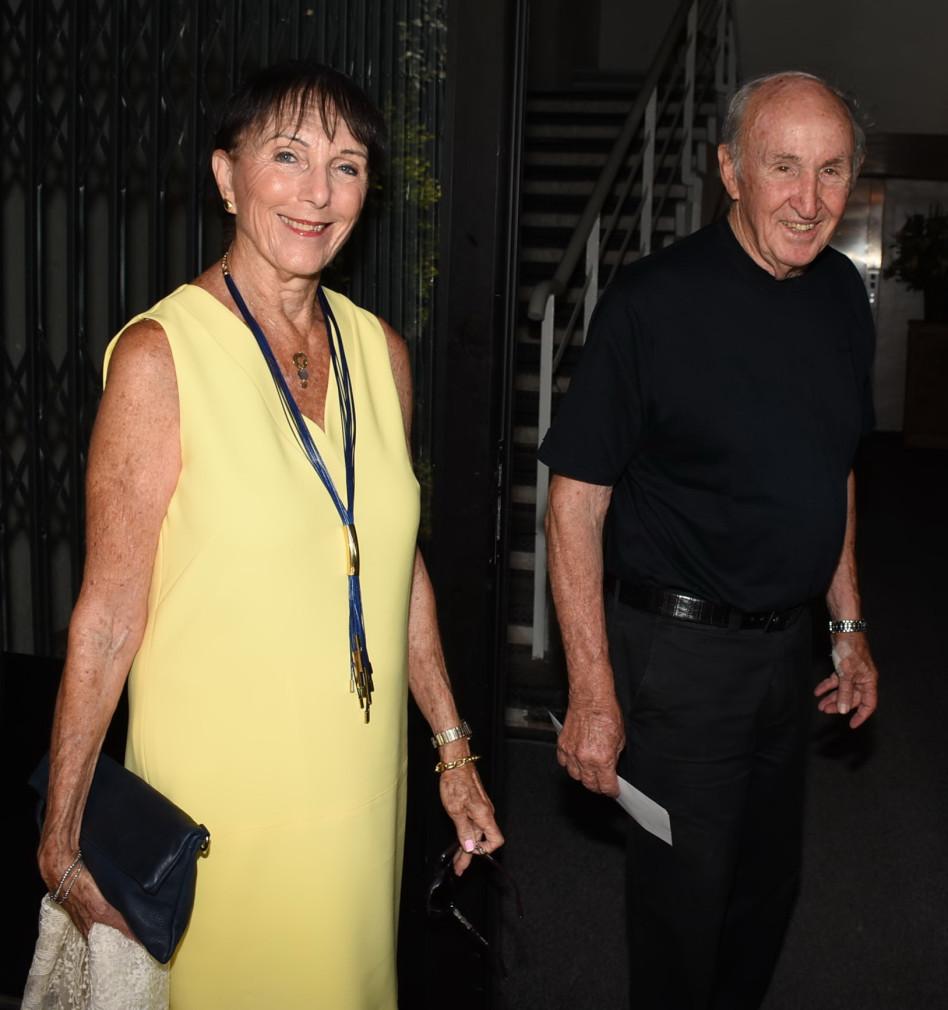 עמיר מקוב ובת הזוג (צילום: אביב חופי)