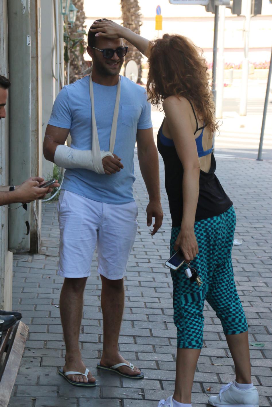 מסכן, לסדר את הפריזורה ברחוב גם קשה לו...אביאל כהן (צילום: ניר פקין)