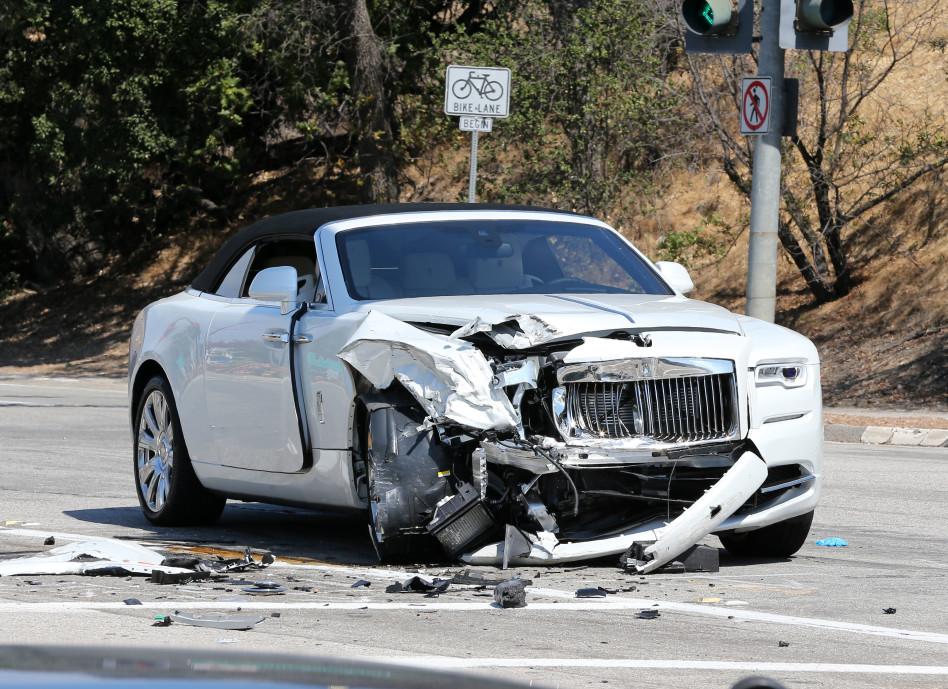 לא עלינו. הרכב של קריס ג'נר (צילום: splashnews)