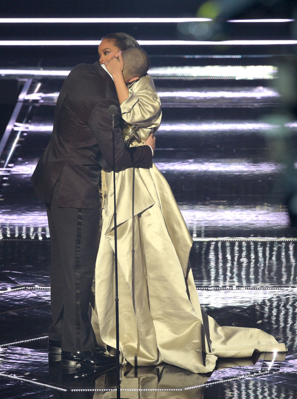 כבר לא יתנשנשו על הבמה. ריהאנה ודרייק (צילום:L גטי)