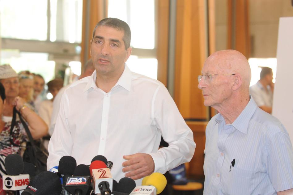 פרופ' איציק קרייס ופרופ' רפי ולדן (צילום: אבשלום ששוני)